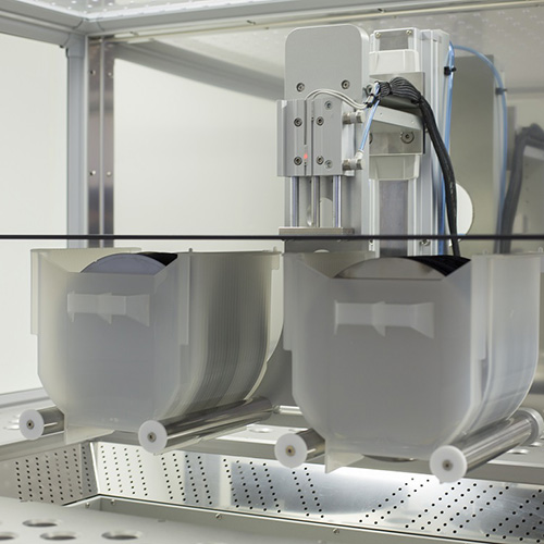 Carrier station with detection amcoss-amv-200-HMDS batch wafer processing